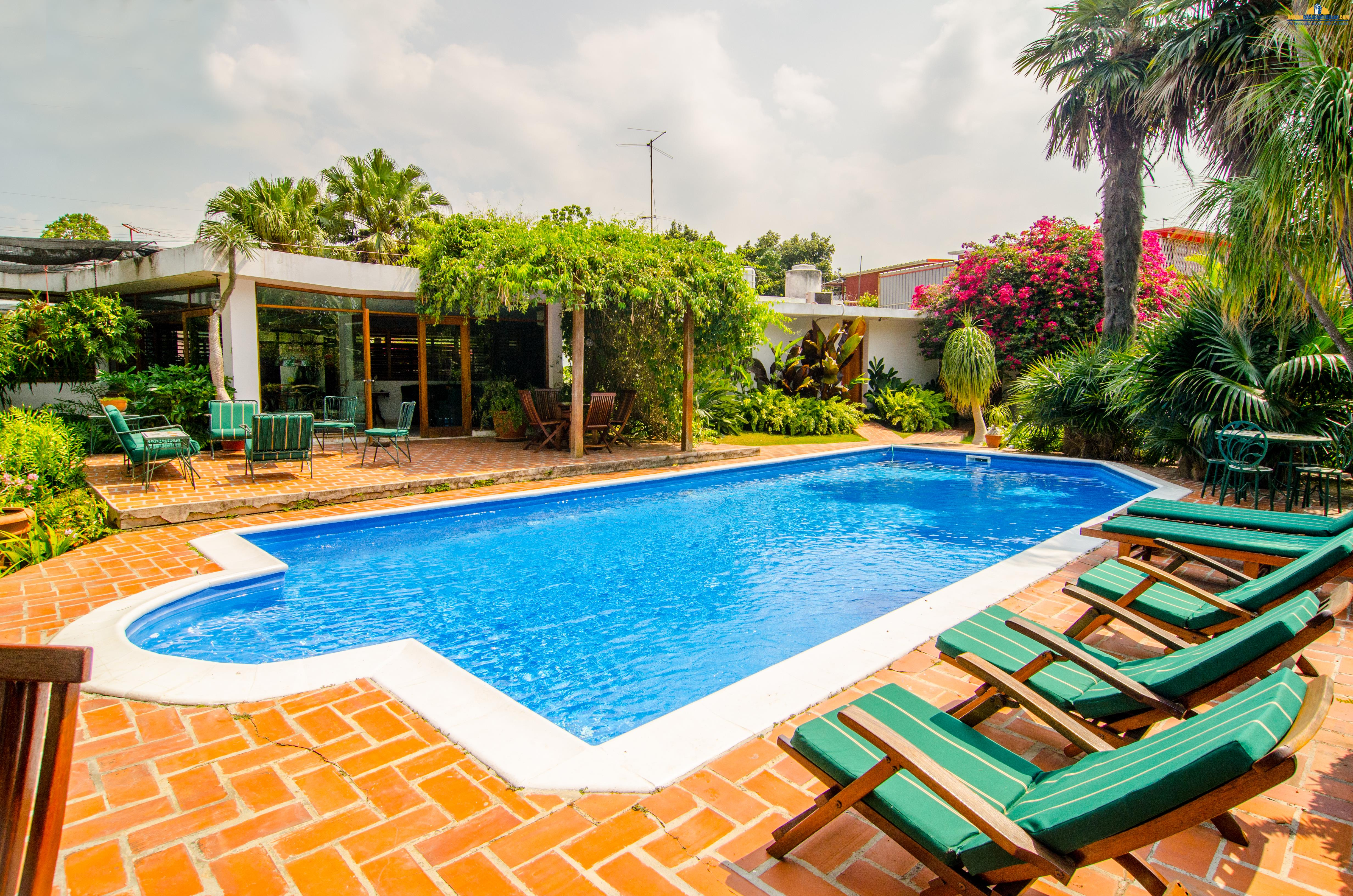 Villas with Swimming Pool Villa Mary with Swimming Pool Havana